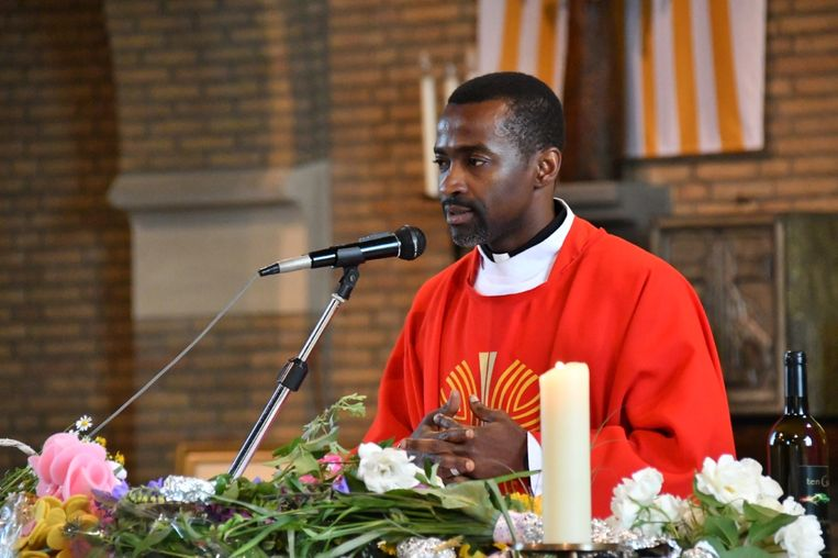 Pater Marcel kwam drie jaar geleden naar België om te werken in vijf parochies.