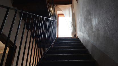 Jaar cel voor bejaarde man die van trap gevallen vrouw niet hielp
