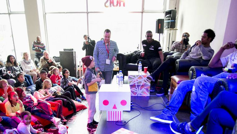 Rapper Typhoon (r) tijdens Rotterdam Beats 2014 Beeld Beats