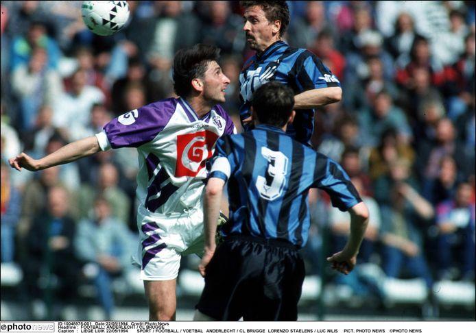 Nilis in actie tegen Club Brugge in 1994.