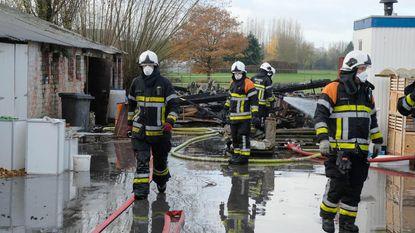 Extra veiligheidsmaatregelen bij brand in schuur met oude golfplaten