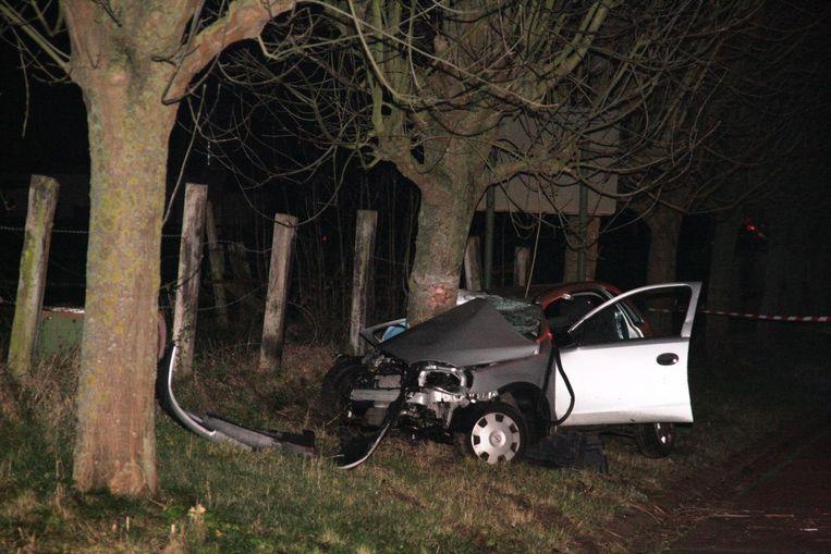 De auto raakte bij het ongeval volledig vernield.