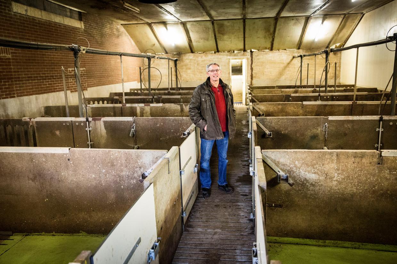 Varkensboer Bart Verhees, stopt met boeren en laat zich uitkopen door de de regering. Zijn stallen zijn al leeg. Beeld Arie Kievit
