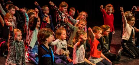 Podiumspektakel zet Haaksbergse  basisschoolleerlingen in de spotlights