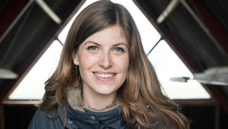 Camilla Dreef in de vogelhut aan de Holendrechterweg in Ouderkerk Beeld Charlotte Odijk