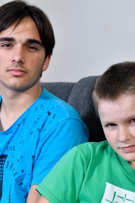 Rechter: Maksim (14) en Denis (10) mogen morgen naar Oekraïne worden uitgezet