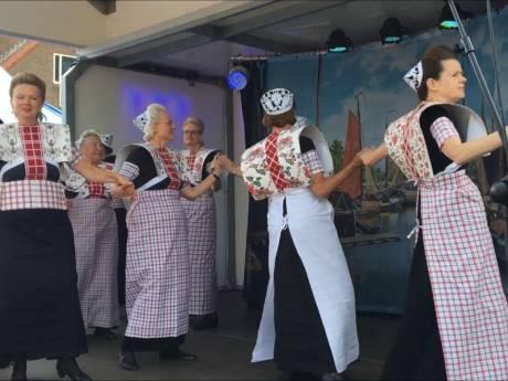 Spakenburgse dansgroep voelt zich geschoffeerd