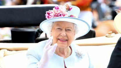 """Oud-paleispersoneel van het britse hof klapt uit de biecht: """"De Queen liet Diana's geest uitdrijven"""""""