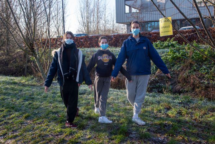 Justine, Kyana en Lotte op training.