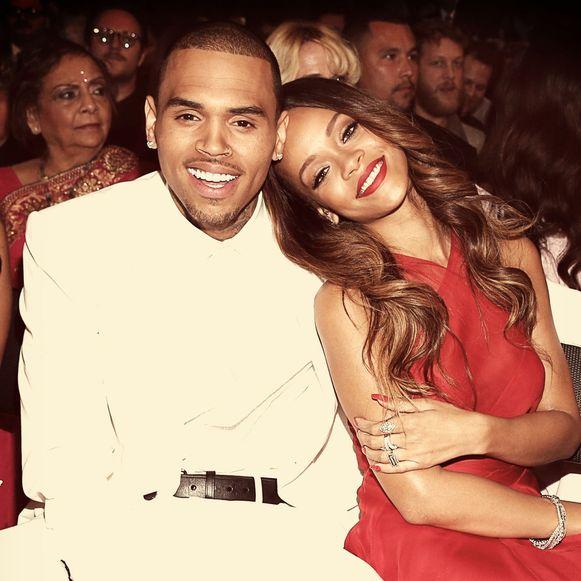 Rihanna met Chris Brown tijdens een uitreiking van de Grammy's, toen ze nog samen waren.