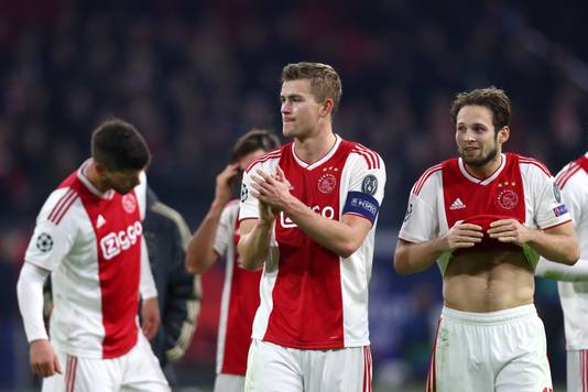 Teleurstelling overheerst bij Huntelaar, De Ligt en Blind na de spectaculaire 3-3 tegen Bayern München.