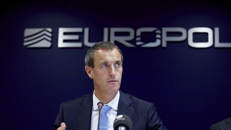 Directeur van Europol Rob Wainwright tijdens een persconferentie.