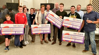 Cheques voor vijf jeugdverenigingen