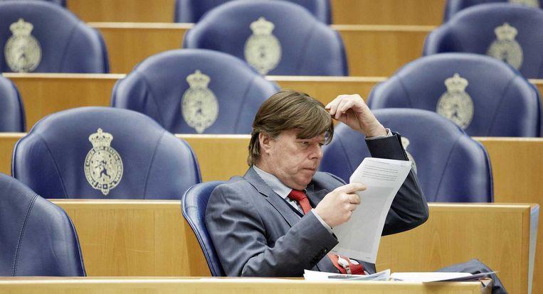 Lang niet alle PVV-Kamerleden waren aanwezig om voor een motie van wantrouwen tegen het kabinet te stemmen. Tony van Dijck wel. Beeld anp