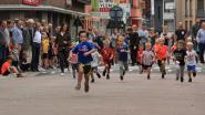 Jonge lopers rennen door straten van Herenthout
