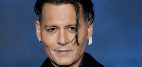 Johnny Depp blijft gezicht van populaire parfumlijn Dior