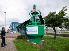 Boei als zichtbaar baken voor zeemanshuis Vlissingen