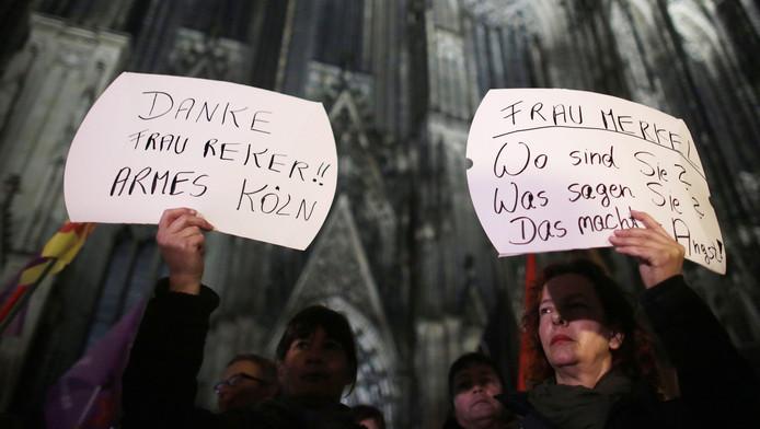 Vrouwen protesteren in Keulen na de massa-aanrandingen tijdens oud en nieuw