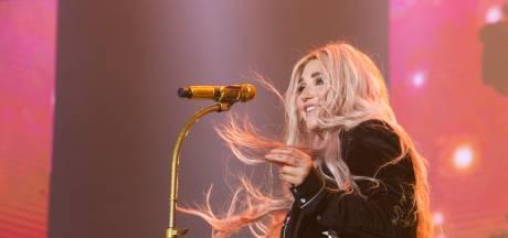 Kesha scheurt kruisband en moet tour afzeggen