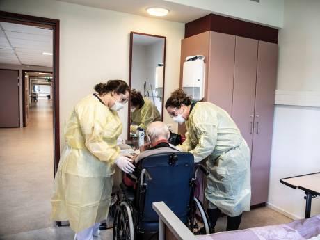 Een leger aan vrijwilligers, maar toch is er te weinig personeel in het verpleeghuis