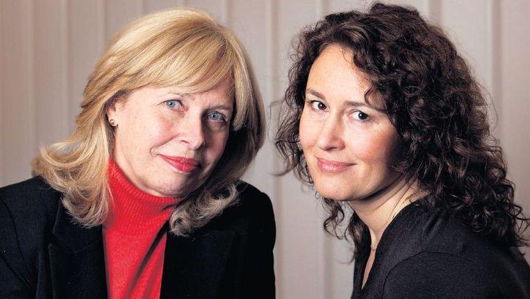 Els Prins, stichting ombudsman (links) en Diana Uitdenbogerd van de NVLP: 'Artsen moeten naar het geheel van de klachten kijken.' ©MAARTJE GEELS Beeld