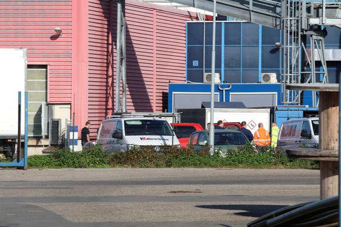 Kalverslachterij Ekro in Apeldoorn is woensdagochtend ontruimd.