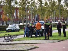 Twee tieners op fiets aangereden op Vrouw Avenweg in Den Haag