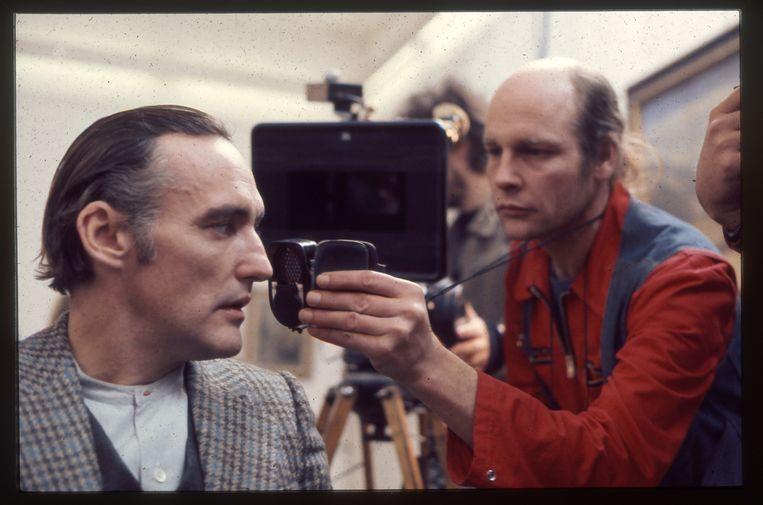 Shot uit Living the Light met Robby Müller achter de camera in het rood.  Beeld Film beeld