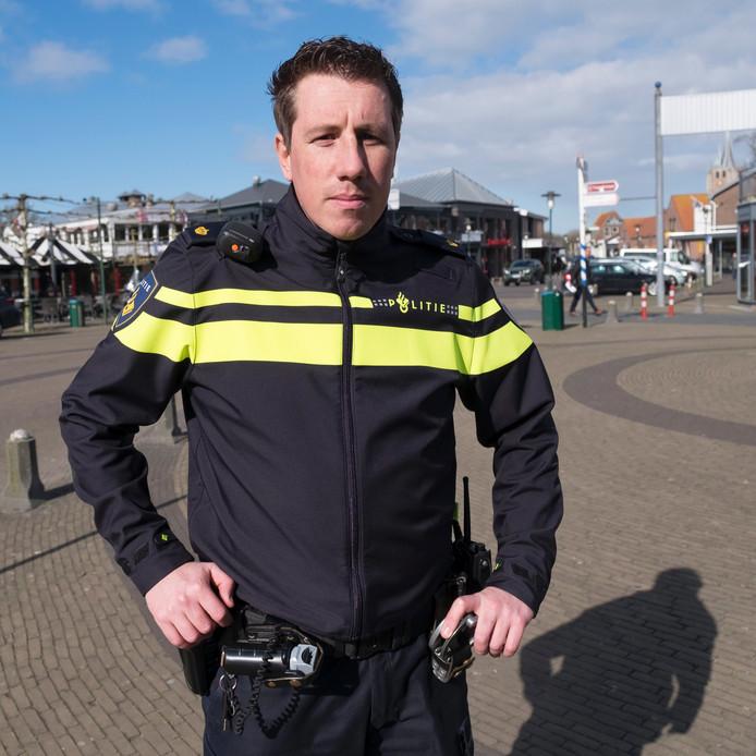 Politieman Richard den Boer: 'Op mijn rug zat zelfs een voetafdruk. Daar heb ik niets van gemerkt'.