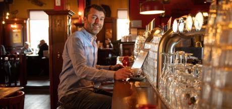 Optimisme in coronatijd: Café Nielz in Almelo is dicht, maar zoekt personeel