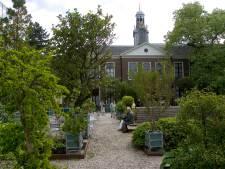 Komt dat zien: de Reuzenwaterlelie in de Hortus Botanicus Leiden bloeit weer