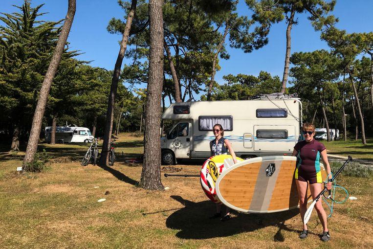 Des vacanciers dans un camping de l'Île d'Oléron, au large de la côte ouest française.