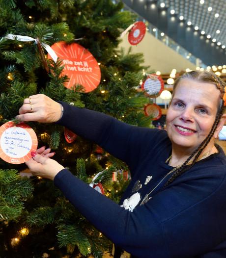 Amersfoorters delen bijzondere verhalen over liefde bij Joris' Kerstboom