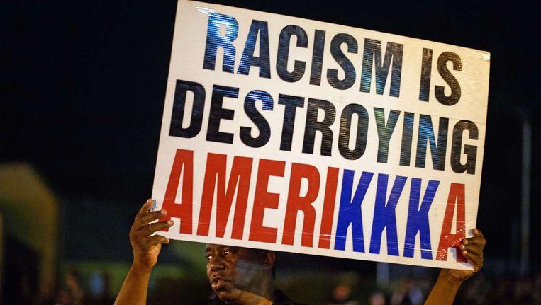 Protesten in Ferguson nadat een donkere jongen werd doodgeschoten door een blanke politieagent. Obama noemde Ferguson in zijn toespraak voor de Algemene Vergadering van de VN. Beeld afp