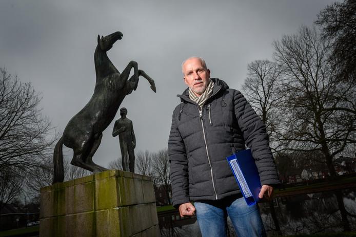 Het bestuur van LokaalHengelo heeft Leo Janssen een ultimatum gesteld.