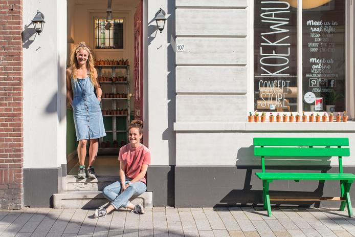 Marlou en Laura van Rheden van conceptstore Koekwaus