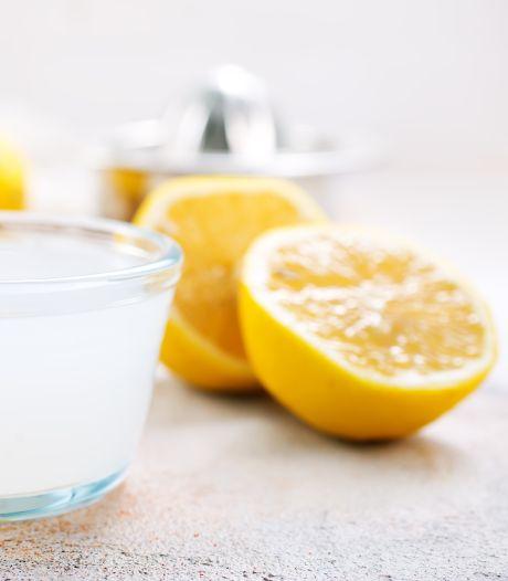De dag starten met een glas citroensap in lauwwarm water: hoe gezond is dat?