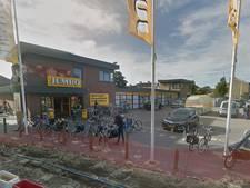 Man (78) meters door auto meegesleurd op parkeerplaats in Middelburg