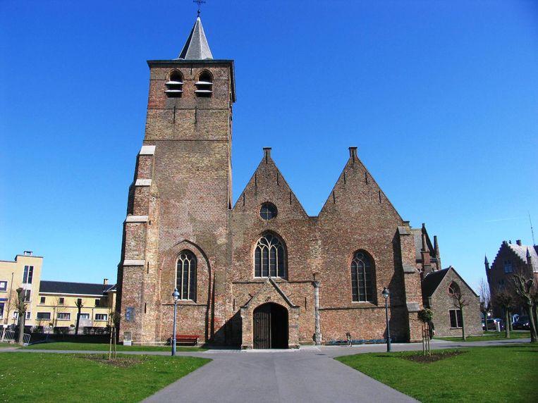 De Sint-Antoniuskerk, nabij het gemeentehuis, in Blankenberge.