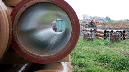 Aquafin op verschillende plaatsen in Oudenaarde bezig met afwerking Rietgracht
