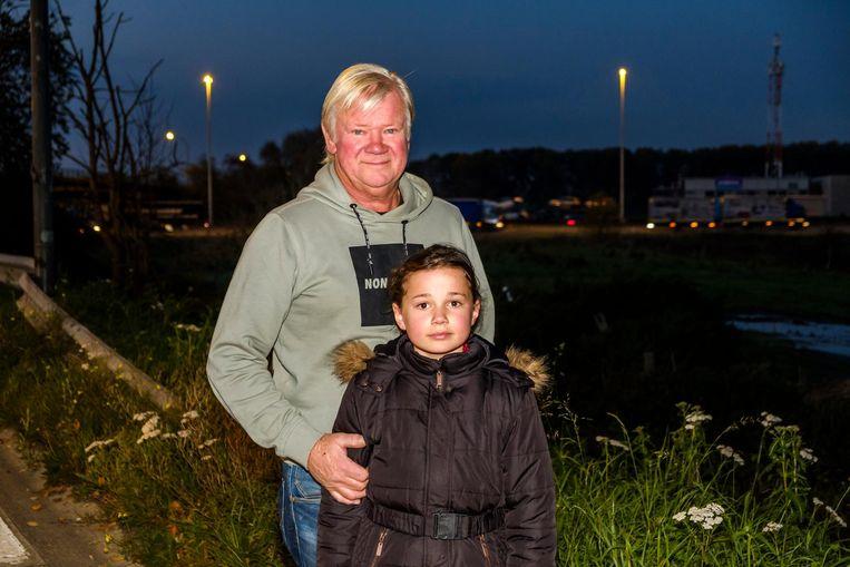 Rudy Van Winkel en kleindochter Jolanda, met op