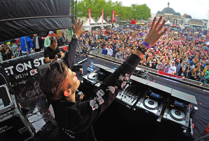 Julian Jordan enkele jaren geleden voor eigen publiek in actie op Dancetour Apeldoorn.