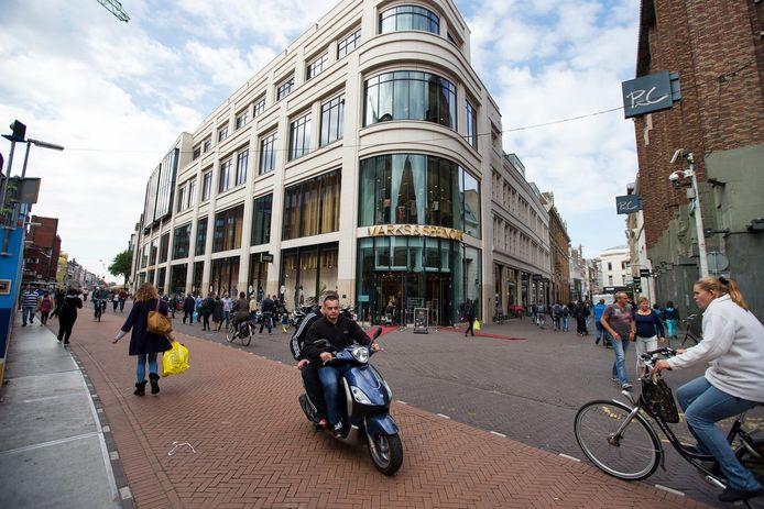 De outlet komt in het voormalige pand van Marks & Spencer in de Grote Marktstraat.