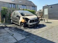 Omwonenden autobrand in wijk Zwolle 'hopen' bijna op verband met drugsoorlog: 'Anders is er een pyromaan'