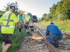 Kronkel in de rails door hitte - stoomtrein rijdt een dagje niet