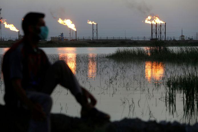 Archiefbeeld van olieraffinaderij ten noorden van Basra.