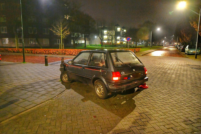 De auto van de bezorger in Valkenswaard.