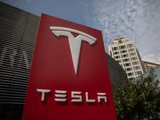Autofabrikant Tesla overweegt bouw megafabriek vlak over Duitse grens