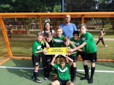 'Ongeslagen' Tilburgs schoolvoetbalteam naar NK Cruyff Court