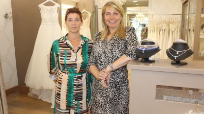 Modeshow voor bruidjes in spe in de Molenstraat